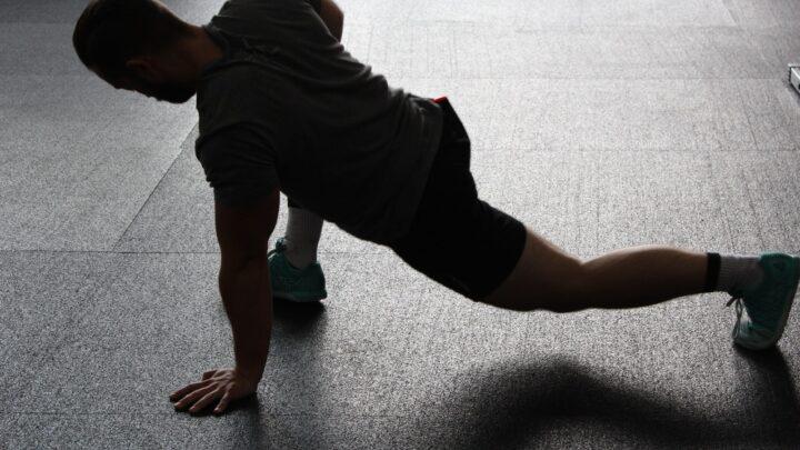 5 træningsøvelser du let kan lave derhjemme